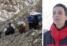 Photo of This Woman Decided To Clean Up Mount Everest In 3 Years, She Collected 8.5 Tons Of Garbage