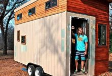 Photo of A Student Builds A Mini House On Wheels To Avoid Paying Rent, It Is Small But Equipped With All The Comforts