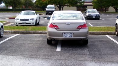 Photo of She Parks Her Car In A Prohibited Parking Zone And Interferes With The Work Of A Team Of Workers: They Take Revenge.