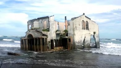 Photo of Surely Once A Hotel, Today It Is A Ghost Mansion That Sinks Into A Pacific Beach.
